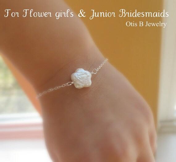 Set of 2: Two Freshwater pearl flower girl bracelets, Junior bridesmaids bracelets, flower bracelets, small childrens bracelets