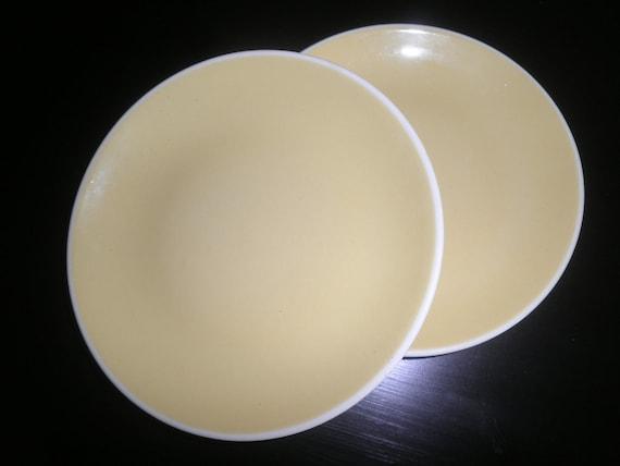 Harkerware DaisyYellow Plates
