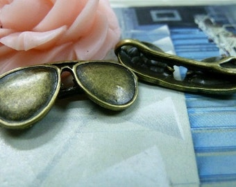 10pcs 11x28mm The Cool Sunglasses  Antique Bronze Retro Pendant Charm For Jewelry Pendant