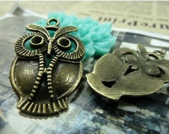 10pcs 21x34mm The Owl Antique Bronze Retro Pendant Charm For Jewelry Pendant C723