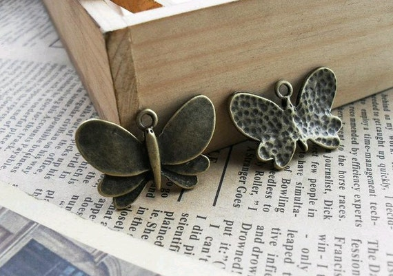 20pcs 18x28mm The Butterfly Antique Bronze Retro Pendant  Charm For Jewelry Pendant C372