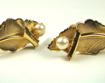 Vintage Gold tone And Pearl Earrings