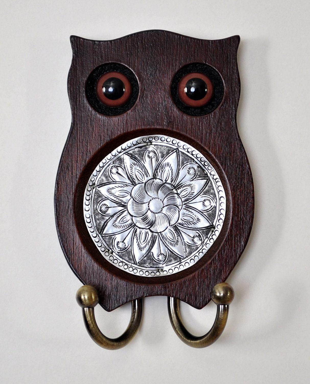 wooden owl wall decor key holder. Black Bedroom Furniture Sets. Home Design Ideas