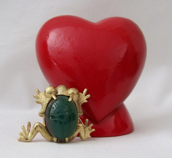 Vintage Sterling Frog  Brooch with Scarab Cut Agate Stone - C.R. Co aka REIS - Treasury