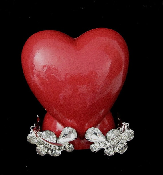 Vintage WEISS Clear Rhinestone Earrings - Classy
