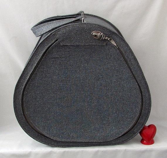 Desperately Seeking this Suitcase - Vintage Vinyl Pear Shaped Carry On Overnite Bag - Toooo Sweet