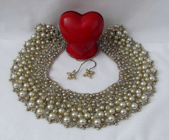 VERY Vintage Hand Crocheted Graduating Faux Pearl Bib Necklace - 1950s - Stunning Work