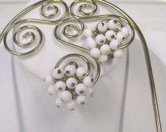 Vintage Signed Coro White Beaded Clip On Dangle Earrings In Gold tone metal