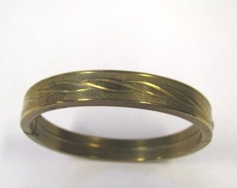 Vintage Gold Plated Art Deco Hinged Bangle Bracelet Vintage etched bracelet wave design