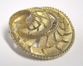 Vintage Gold tone Abstract Brooch, Perfect for Bridal Bouquet