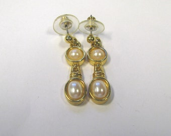 Vintage Faux Pearl Dangle Pierced Earrings in Gold tone