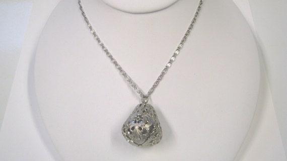 Vintage Silver tone Filagree Pendant Drop Necklace, Retro Art Deco Pendant