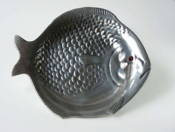 Pewter fish tray, melancholy flounder by Arthur Court, 1976