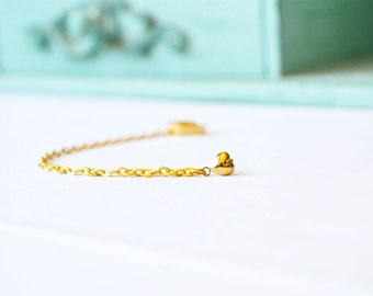 Gold Heart Single Chain Ear Cuff Earring (Single-Side)