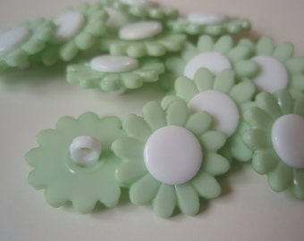 Buttons Teal Daisy Shank set of 12