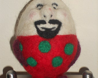 THE HUMPTY DUMPTY - Needle Felted Egg People - made by order