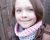 HILA - Girls Crochet Cowl Scarf Neckwarmer in Dusky Rose Pink and Cloudy Gray