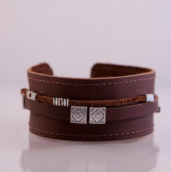Genuine leather wristband.