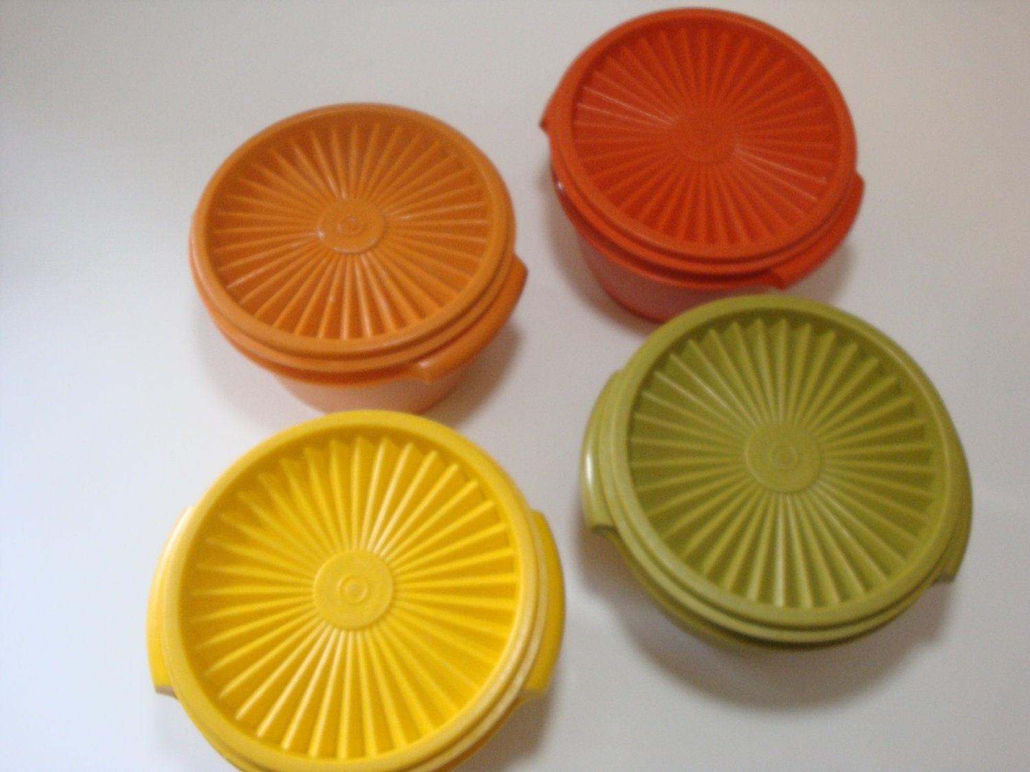 how to clean tupperware that has yellowed