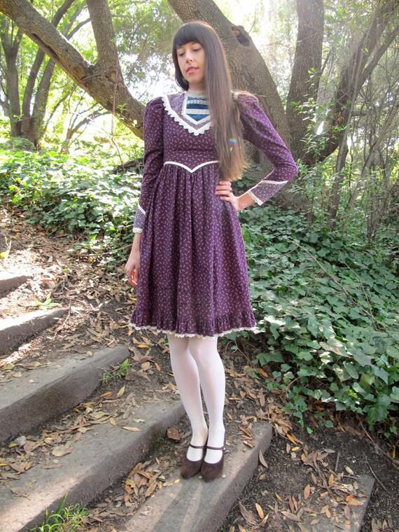 GUNNE SAX Purple Dress 1970s Amazing Velvet and Lace Details xs