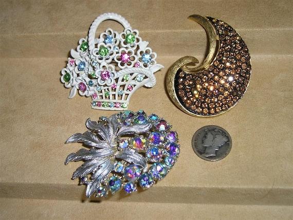 Vintage Brooch Lot Rhinestones Coro JJ 1960's  Signed Jewelry 3103
