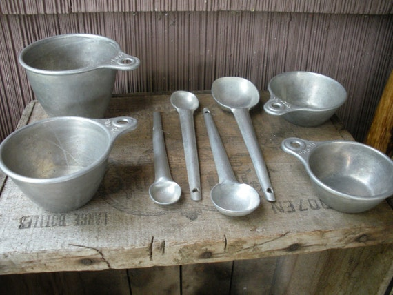 Vintage Aluminum Measuring Cups Ans Measuring Spoons