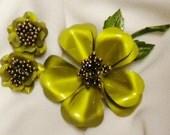 Enamel Flower Set Chartreuse Green