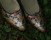 SALE Pretty Floral Vintage Shoes