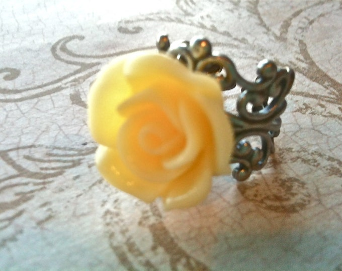 Jewelry Ring Vintage Steampunk Victorian Romantic Inspired Yellow Rose Resin Cabochon very high quality
