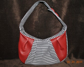 Hobo Houndstooth w/red leather