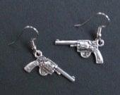 Gun earrings,  Bang bang, she shot me down... Punk, Oi, Steampunk, western, six shooters