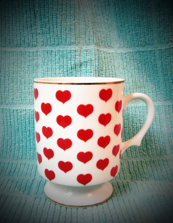 Valentine's Day pedestal mug teacup, hearts, love, royal - vintage-