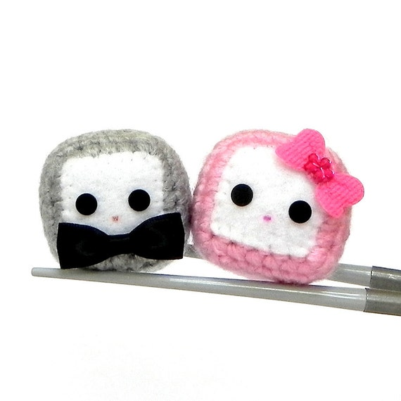 Amigurumi magnet - Mr. and Mrs. Cubie MochiQties - Crochet Amigurumi Mochi size mini cube doll