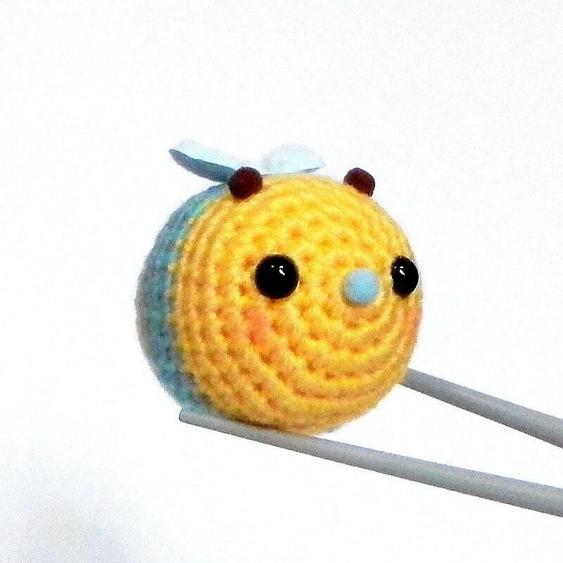 Amigurumi Yellow ball bee MochiQtie mochi size crochet