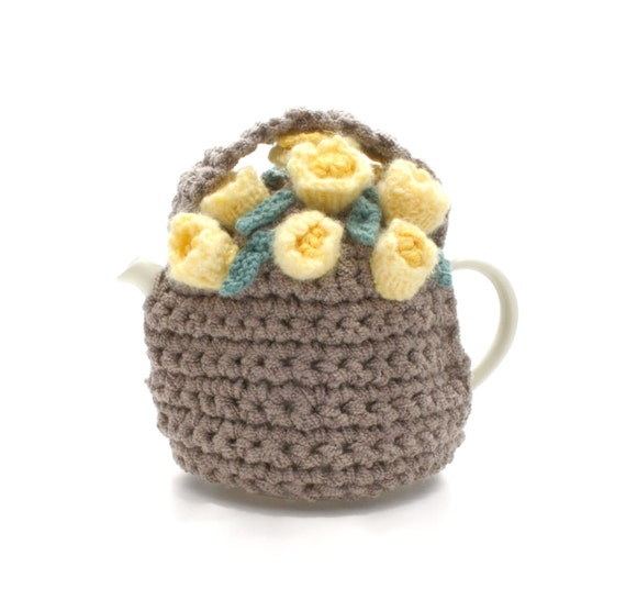 Yellow Rosebuds In A Brown Flower Basket Tea Cosie