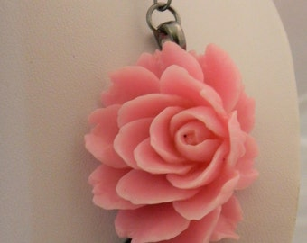 480 - Buds N Beads - Pink Lotus w/ Ceramic Speckled Beads