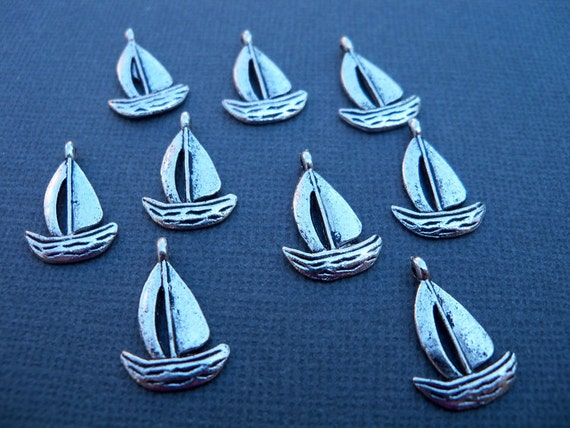 10 Silver Sailboat Charms 19mm Antiqued Silver