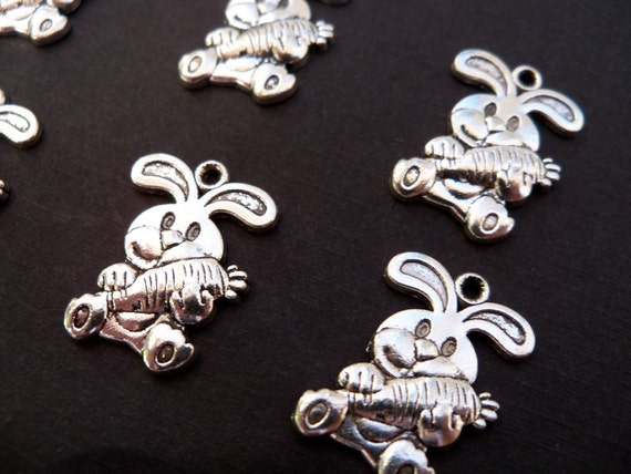 10 Silver Easter Bunny with Carrot Charms 21mm