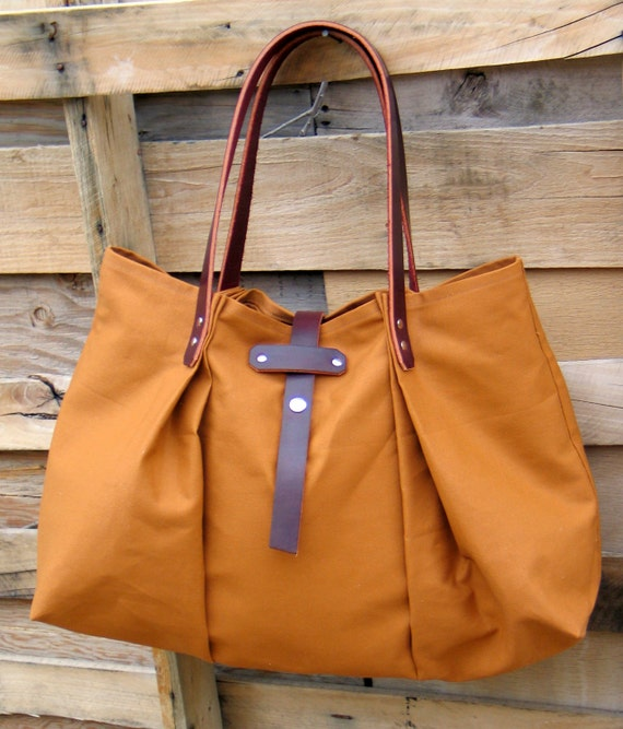 Week-End Bag in Canvas and Leather- The Holdall