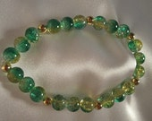 Crackle Glass Stretch Bracelet Green and Yellow Large Bead with Gold Plated Beads