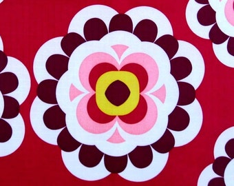 W079A - 1 meter Vinyl Waterproof Fabric - Big circle flower - red