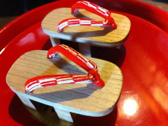 Miniature Japanese Wood Geta with kimono straps - sweet collectible souvenier
