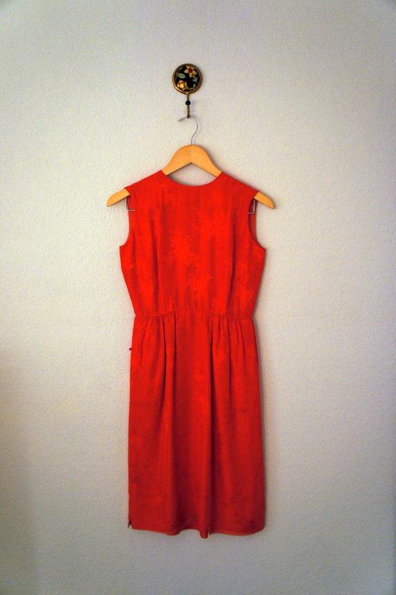 Vintage 1960s Bright Tomato Red Silk Rose Jacquard Mad Men Wiggle Dress Size XS