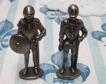 "1 1/2"" Pair Metal Soldiers Armour Miniature"