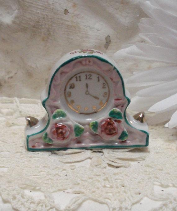 "2"" Dollhouse Occupied Japan Clock"