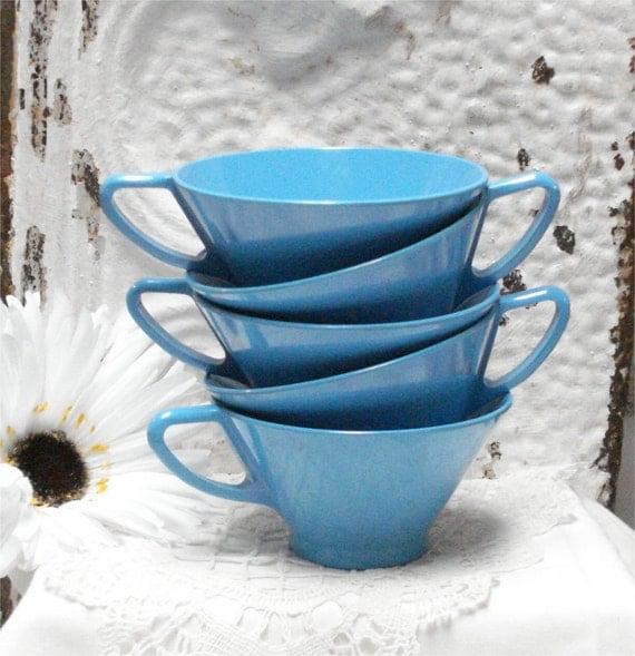 5 Blue MELMAC Plastic COFFEE CUPS Vintage Excellent