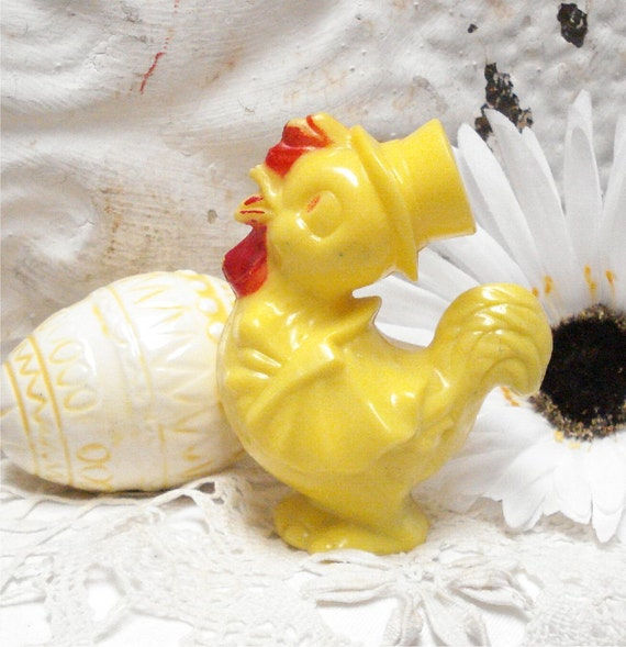 Irwin Easter Rooster Rattle Hard Plastic