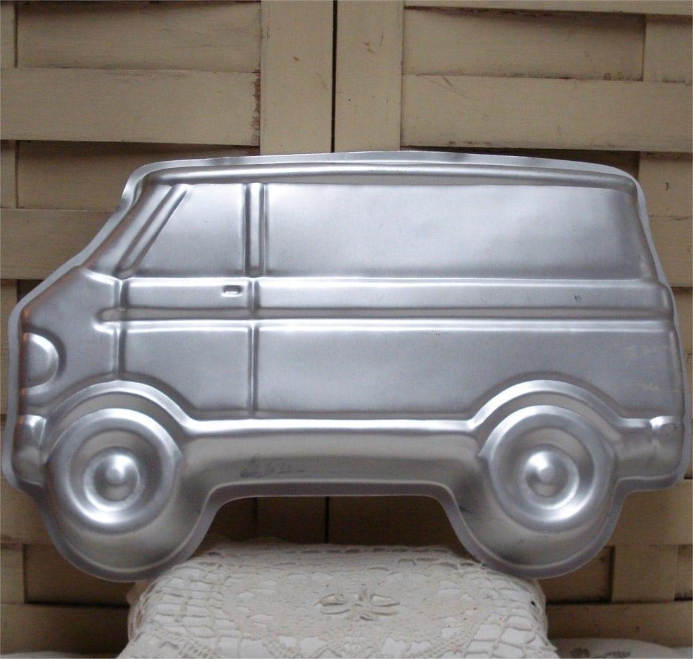 15 Van Scooby Doo Mystery Machine Cake Mold Pan 1978