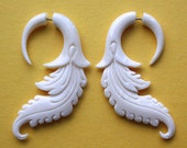ALETA Fake Gauge Earrings - Natural White Bone - Hand Carved Feathers