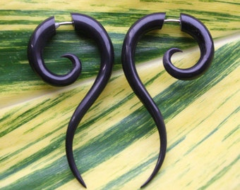 TALEEYA Fake Gauge Earrings - Hand Carved Natural Black Horn